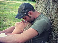 casual photo shoot before wedding day Country Couples, Country Boys, Cute Couples, Country Life, Couple Photography, Engagement Photography, Wedding Photography, Photography Ideas, Modern Photography
