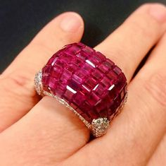 Ruby ring_ a statement this holiday with an invisibly-set ruby ring by Oscar Heyman. Being offered at Christie's NY. Ruby Jewelry, Pandora Jewelry, Jewelry Rings, Jewelry Accessories, Fine Jewelry, Jewelry Design, Silver Jewelry, Moonstone Jewelry, Schmuck Design