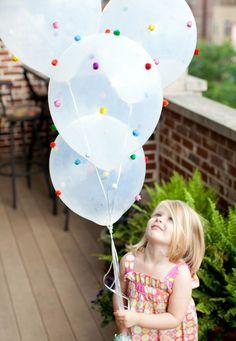 Balloon Crafts - Pom-Pom Balloons - Fun Balloon Craft Ideas, Wall Art Projects and Cute Ballon Decor Ballon Party, Deco Ballon, Balloon Crafts, Balloon Decorations, Balloon Ideas, Balloon In A Balloon, Donut Decorations, Girl Birthday, Happy Birthday