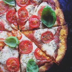 Dwuskładnikowa pizza z batata Healthy Junk, Healthy Pizza, Snack Recipes, Snacks, Cheat Meal, Calzone, Frittata, Vegetable Pizza, Food Porn