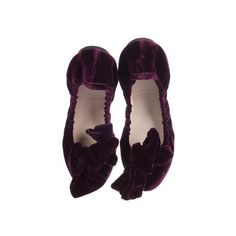 Pre-owned Miu Miu Bow Velvet Flats ($145) ❤ liked on Polyvore featuring shoes, flats, bow flat shoes, round toe flats, bow flats, purple shoes and flat pumps