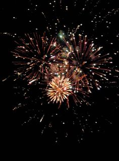 Fireworks by eclecticcharms on DeviantArt Aesthetic Era, Brown Aesthetic, Summer Aesthetic, New Years Eve Traditions, Fireworks Pictures, Happy New Year Pictures, Fire Works, Snapchat Picture, Bonfire Night