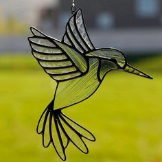 stained glass hummingbird suncatcher, stain glass clear humming bird ornament on Etsy Stained Glass Birds, Stained Glass Suncatchers, Stained Glass Projects, Stained Glass Patterns, Leaded Glass, Mosaic Glass, Glass Painting Designs, Tiffany Glass, Glass Texture
