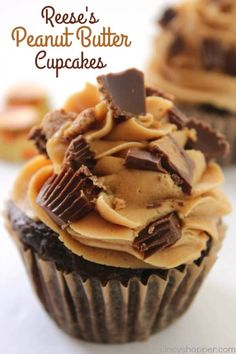 These Reese's Peanut Butter Cupcakes are perfect for all of you that are fans of peanut butter and chocolate. We start with a simple chocolate cupcake stuffed with a Reese's Miniature then topped with a creamy peanut butter frosting. Reese's Peanut Butter Reeses Peanut Butter Cupcakes, Reeses Cake, Peanut Butter Cup Cake Recipe, Chocolate Peanut Butter Frosting, Reese's Chocolate, Salted Caramel Cupcakes, Peanut Butter Snacks, Peanut Recipes, Paleo Recipes