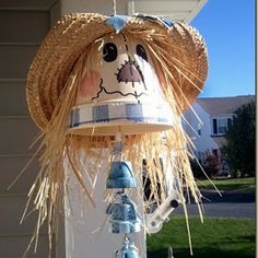 Scarecrow windchime made from clay pots. by cheryl Flower Pot Art, Clay Flower Pots, Flower Pot Crafts, Flower Pot People, Clay Pot People, Clay Pot Projects, Clay Pot Crafts, Fall Halloween, Halloween Crafts