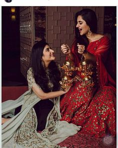 Four Tips For A Beautiful Beach Wedding Indian Wedding Photography, Wedding Photography Poses, Wedding Poses, Wedding Photoshoot, Bride Poses, Indian Wedding Photos, Indian Bridal Outfits, Indian Dresses, Bridal Dresses