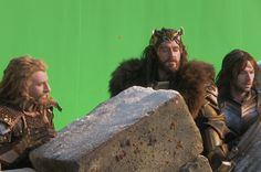 Thorin so handsome<<< 'scuse you, but I believe the handsomest of the three would be Kili. Case closed.