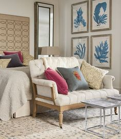 Guest Bedroom Ideas - Examples of modern schemes and formal affairs to help you create a relaxing space. Living Room Decor, Living Spaces, Living Rooms, Guest Bedrooms, Master Bedroom, Interior Inspiration, Autumn Inspiration, Room Inspiration, Decoration
