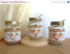 mason jars- wrapped in burlap Pot Mason Diy, Mason Jar Crafts, Bottle Crafts, Mason Jar Vases, Burlap Crafts, Diy And Crafts, Lace Jars, Jar Art, Decorated Jars