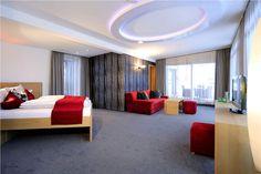 Ritzenhof - Hotel und Spa am See Haus Am See, Spa, Ceiling Lights, Lighting, Home Decor, Homes, Lights, Interior Design, Home Interiors