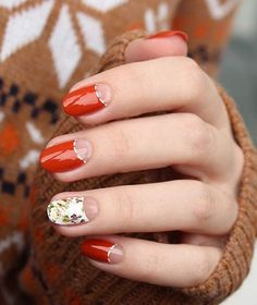 This sienna nail polish is already working wonders when mixed with a half moon designs. But add a bit of floral touch and it's close to a vintage beauty.