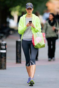 Karolina Kurkova´s neon sweatshirt is an energizing look