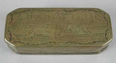 1700-1800 Koperen tabaksdoos met gezicht op Rotterdam, aan de onderzijde het Rotterdamse wapen