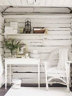 Work Shed in White @Claire Donovan