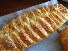 """Rikkes """"kringle"""" is simply the BEST! Bread Recipes, Baking Recipes, Danish Food, Recipe Boards, Pie Dessert, Food Cakes, Sweet Bread, Cakes And More, Cake Cookies"""