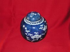ANTIQUE PRUNUS GINGER JAR FROM CHIEN LUNG DYNASTY 1736-1796