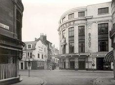 Savoy Cinema in East Street Brighton Rock, Brighton Sussex, Brighton England, Brighton And Hove, East Sussex, London England, Old Pictures, Old Photos, Vintage Photos
