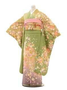 Traditional Kimono, Traditional Dresses, Kimono Yukata, Kimono Design, Chinese Clothing, Ulzzang Fashion, Japanese Outfits, Hanfu, Japanese Kimono