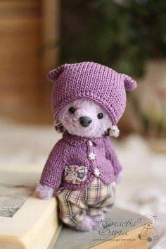Artist Bears and Handmade Teddy Bears - Thousands of collectable bears from teddy bear artists around the world. Needle Felted Animals, Felt Animals, Ours Boyds, Tiny Teddies, Cute Teddy Bears, Bear Doll, Softies, Art Dolls, Creations