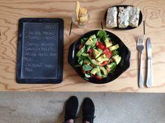 Menu du jour 06/05 - Salade mâche + tomates + avocats - Tartine baguette aux céréales + rillettes de sardine + persil home-made - Croquant tout simple home-made