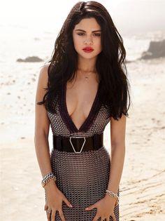 Selena Gomez Beautiful If you got it, flaunt it and she definitely got it now.