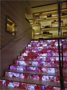 ACTIVE - Louis Vuitton's LED staircase
