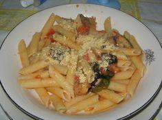 Penne con Salsa de Tomates y Berenjena