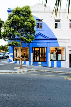 Designer Paul Smith opens his Cape Town store Beautiful Buildings, Beautiful Homes, Clifton Beach, Shop Facade, Black Rooms, Retail Windows, Cafe Design, Interior Design, Branding