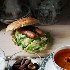 bkf = sausage mashed potato sandwiches, gobo roots satoimo taro puree soup, yogurt with dried fig and almond plus tea with fresh Ponkan orange