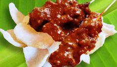 Javaanse Saté (lekkerste Surinaamse saté met Pinda Sambel op banaanblad)