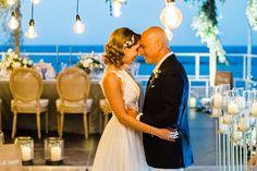 Ονειρικός elegant γάμος με έντονα χρώματα   Λυδία & Λευτέρης - Love4Weddings Elegant Wedding, Rustic Wedding, Girls Dresses, Flower Girl Dresses, Arts And Crafts, Colours, Table Decorations, Luxury, Wedding Dresses