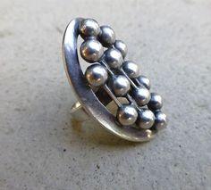 Erik Granit, mid-century modernist oval sterling silver ring with a cluster of silver beads, 1960's.   CC's Treasures / RubyLane.com #Finland