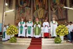 Posse do novo Vigário da Paróquia Divino Salvador e reemposamento do Pároco Leomar Deon