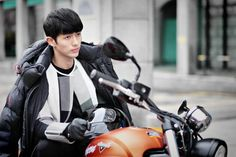 Hotel King Lee Da Hae and Lee Dong Wook Seulong is a hot biker in still cuts. Lee Da Hae, Lee Dong Wook, Hotel King, Running Man, Back To The Future, Bad Boys, Kdrama, Biker, Actresses