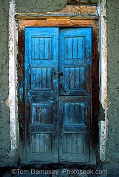 love these blue doors