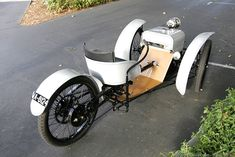 1909 Three-Wheeled Runabout, the First Morgan's Vehicle. The first production Morgans were simple single-seat machines steered with a tiller and powered by either a single cylinder 4 h. engine or an V-twin engine made by the London firm J. Soap Box Cars, Morgan Cars, Motorised Bike, Reverse Trike, Trike Motorcycle, Motorized Bicycle, Pedal Cars, Small Cars, Future Car