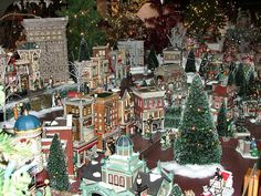 Department 56 - Christmas in the City 2 | Olde World Canterb… | Flickr