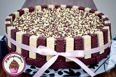 Torta Kit Kat, Baking Recipes, Cake Recipes, 40th Cake, Friends Cake, Candy Cakes, Cute Desserts, Cute Cakes, Cake Creations