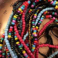 Chaines de taille africaines bine-bine en perles rocailles 6 rangs ajustables