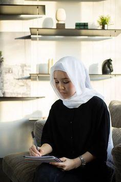 2,000+ Best Hijab Photos · Free to Download · Pexels Stock Photos New Image, Stock Photos, Free, Headboard Cover