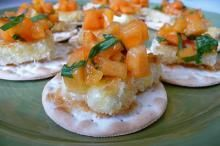 Pan-Fried Brie Cheese with Persimmon Salsa Canapés Recipe - Cookin Canuck Canapes Recipes, Raw Food Recipes, New Recipes, Cooking Recipes, Favorite Recipes, Brie, Persimmon Recipes, Canned Blueberries, Vegan Scones