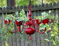 UPCYCLED chandelier & TEACUPS hanging in the GARDEN! ✿✿✿  532933_10151583147830070_99004840_n.jpg 401×313 pixels