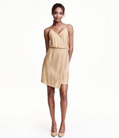 Glittrig Omlottklänning, 299kr