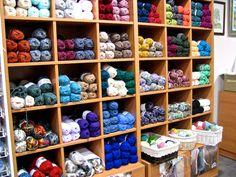 Pequeño directorio de mercerías y tiendas de lana en Sevilla.