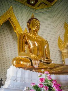 Wat Traimit Bangkok Thailand