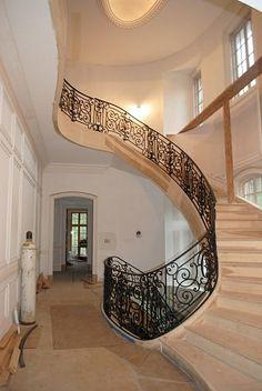 gorgeous wrought iron railing....