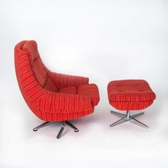 Dux lounge Chair and Ottoman