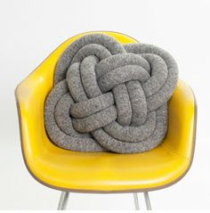 Grosgrain: Celtic Knot Pillow DIY