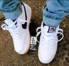 Zapatillas All Star, Sneakers Fashion, Sneakers Nike, Nike Shoes Air Force, Air Force Sneakers, Nike Af1, Nike Air Max Plus, Brown Fashion, Cute Shoes