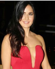 Bollywood Actress Hot Photos, Indian Bollywood Actress, Bollywood Celebrities, Indian Actresses, Katrina Kaif Body, Katrina Kaif Hot Pics, Indian Beauty Saree, Beautiful Women Pictures, India Beauty